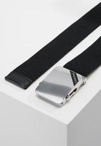 Calvin Klein - WEBBING PLAQUE BELT - Pásek - black - 3