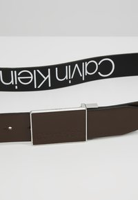 Calvin Klein - PLAQUE BELT - Belt business - brown - 4