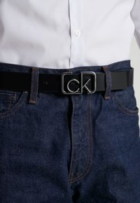 Calvin Klein - SIGNATURE BELT - Cinturón - black - 1