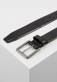 Calvin Klein - BROGUE BOMBED BELT - Belt - black - 3