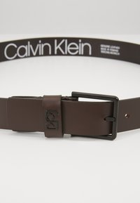 Calvin Klein - 35MM SIGNATURE LOOP BELT - Riem - brown - 5