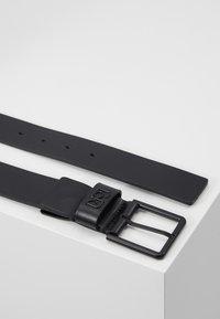 Calvin Klein - 35MM SIGNATURE LOOP BELT - Riem - black - 3