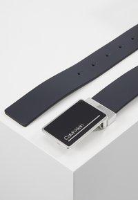 Calvin Klein - PLAQUE STRAPS GIFTSET 2 PACK - Pásek - blue - 3