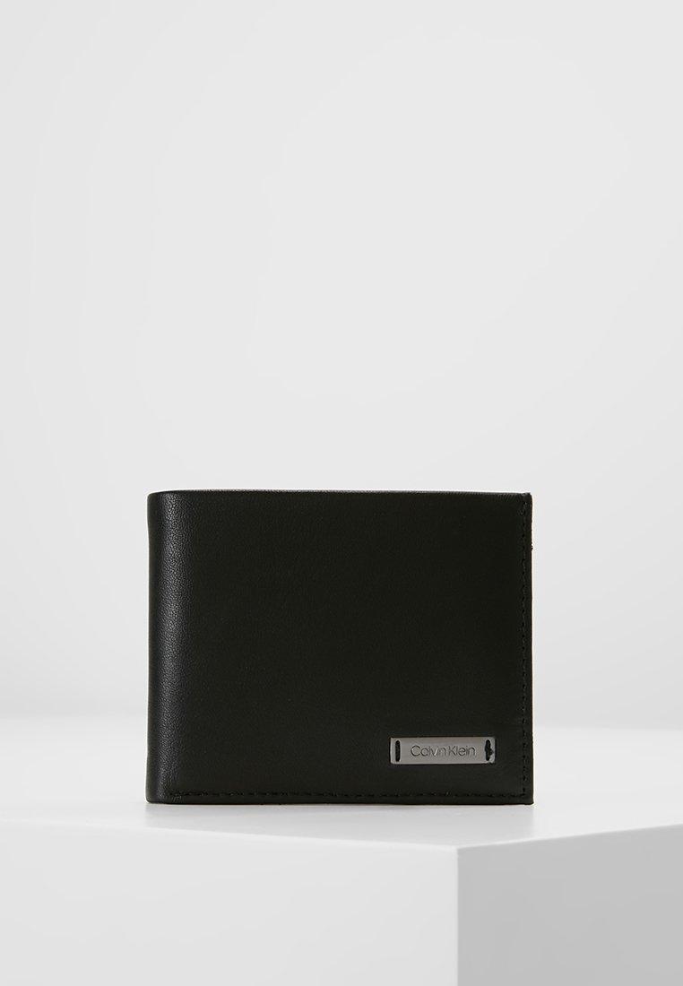 Calvin Klein - SMOOTH PLAQUE SLIMFOLD - Portemonnee - black