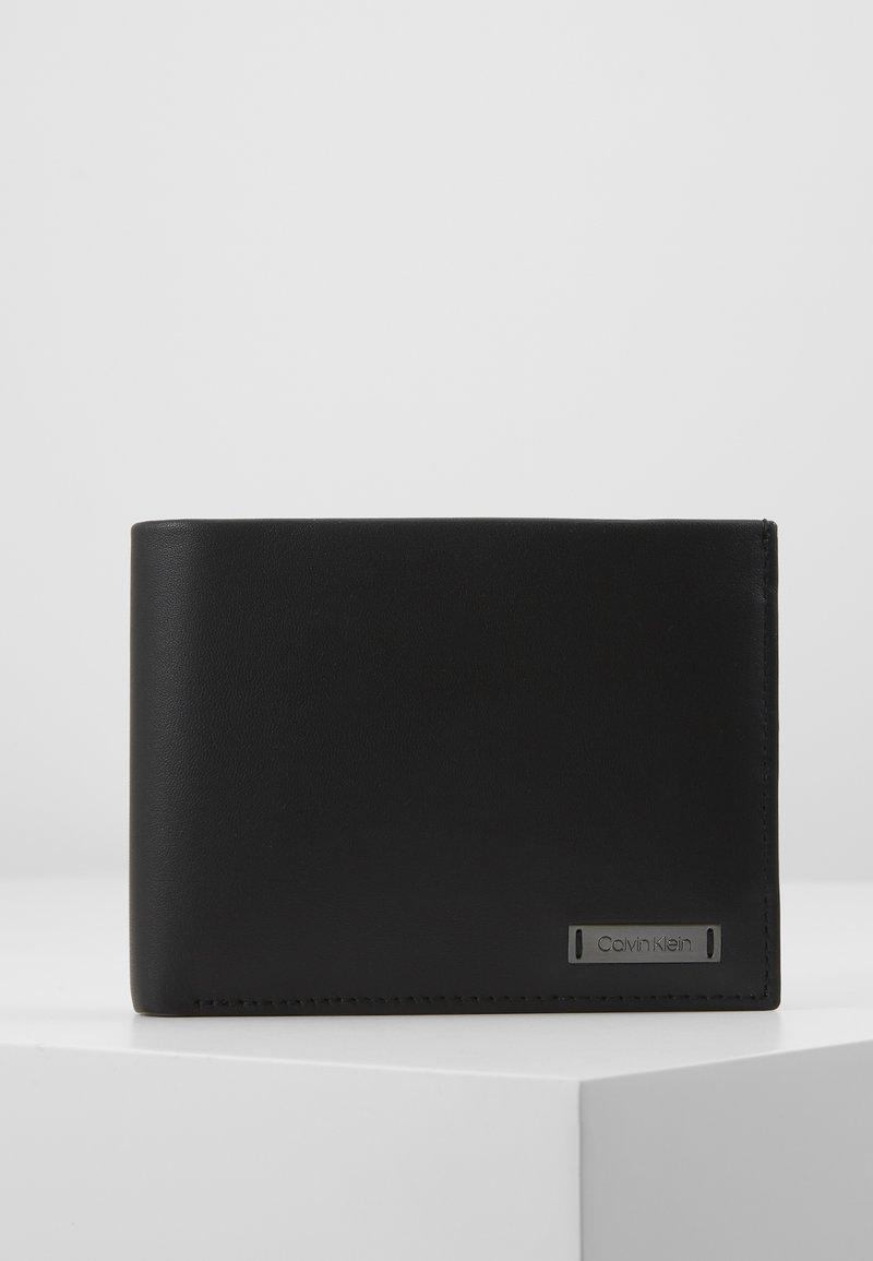 Calvin Klein - SMOOTH PLAQUE COIN - Monedero - black
