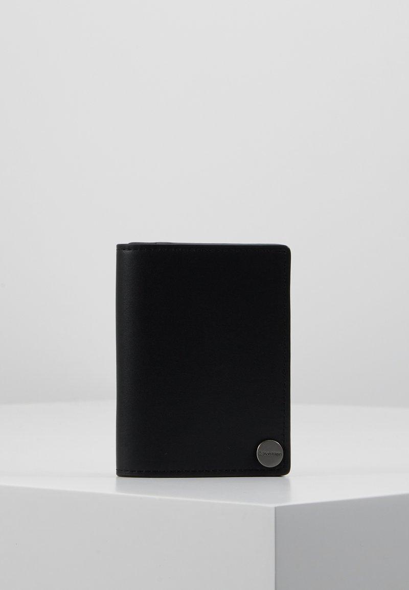 Calvin Klein - TRAVEL CARDHOLDER - Lompakko - black