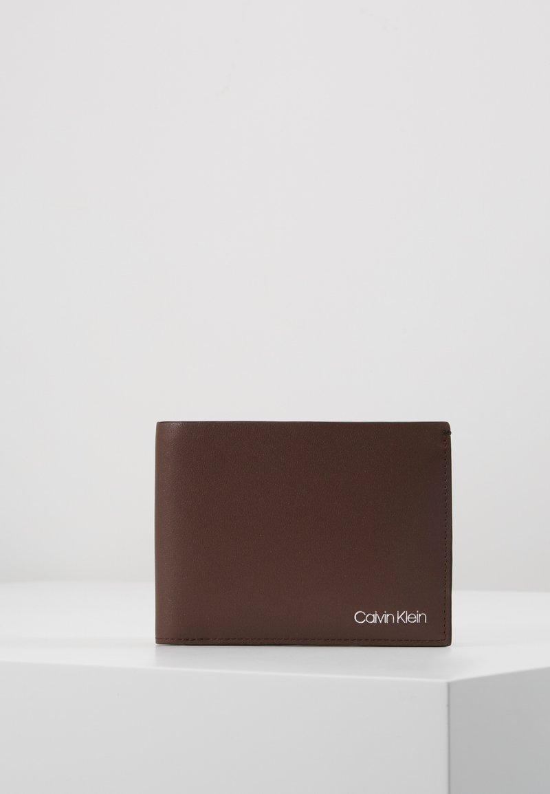 Calvin Klein - COIN - Wallet - brown