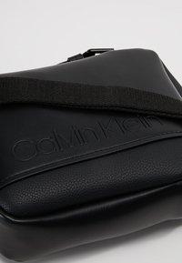 Calvin Klein - Across body bag - black - 6