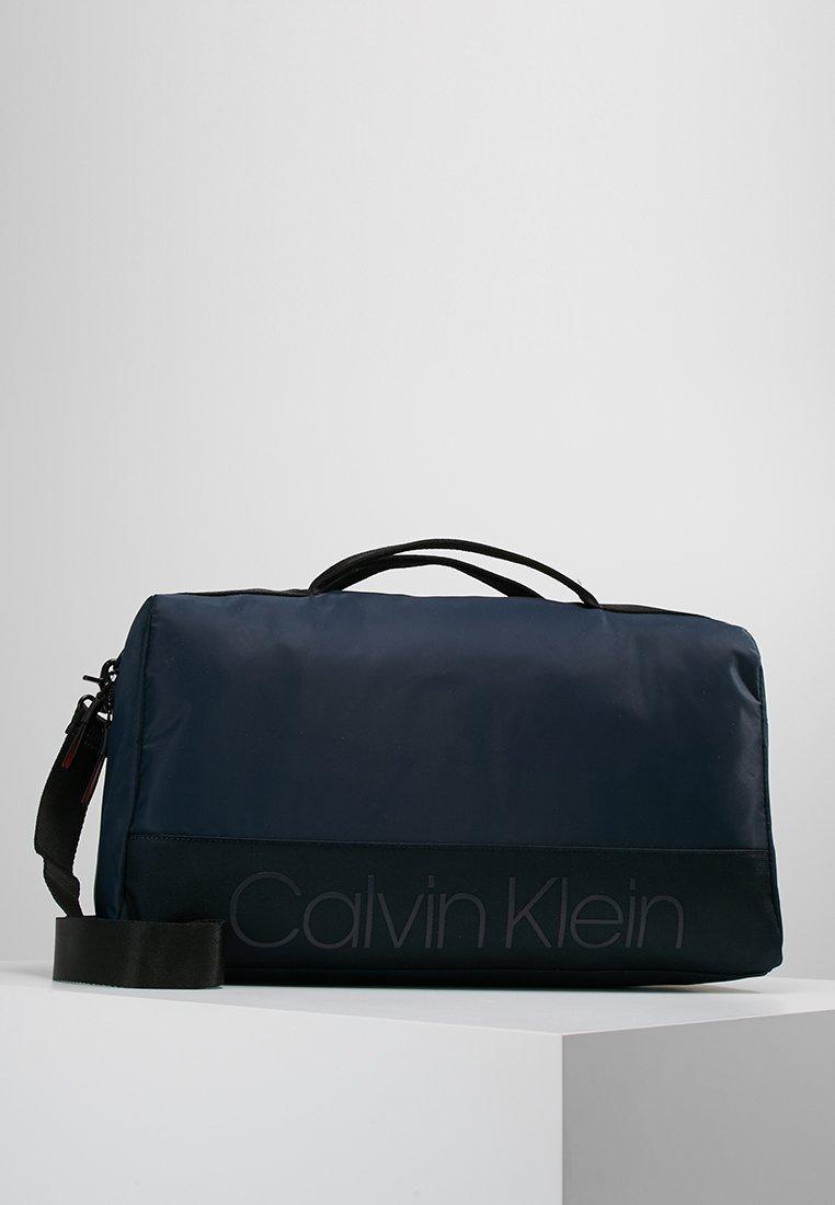 Calvin Klein - SHADOW GYM DUFFLE - Sac week-end - darkblue/black
