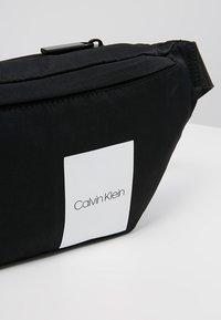 Calvin Klein - ITEM STORY WAIST BAG - Heuptas - black - 6