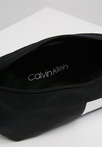 Calvin Klein - ITEM STORY WAIST BAG - Heuptas - black - 4
