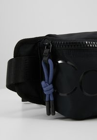 Calvin Klein - TRAIL WAISTBAG - Sac banane - black - 7