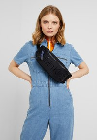 Calvin Klein - TRAIL WAISTBAG - Sac banane - black - 5