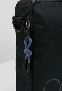 Calvin Klein - TRAIL SLIM LAPTOP BAG - Aktovka - black - 6