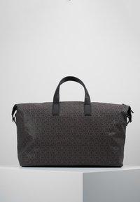 Calvin Klein - MONO WEEKENDER - Bolsa de fin de semana - brown - 2