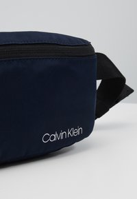 Calvin Klein - ITEM STORY WAISTBAG - Sac banane - blue - 2