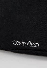 Calvin Klein - ITEM STORY WAISTBAG - Riñonera - black - 2