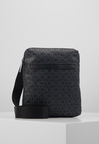 Calvin Klein - MONO FLAT CROSSOVER - Skulderveske - black - 0