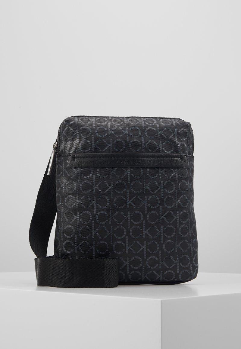 Calvin Klein - MONO FLAT CROSSOVER - Skulderveske - black