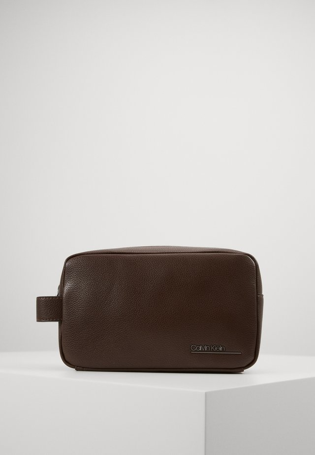 BOMBE WASHBAG - Trousse de toilette - brown