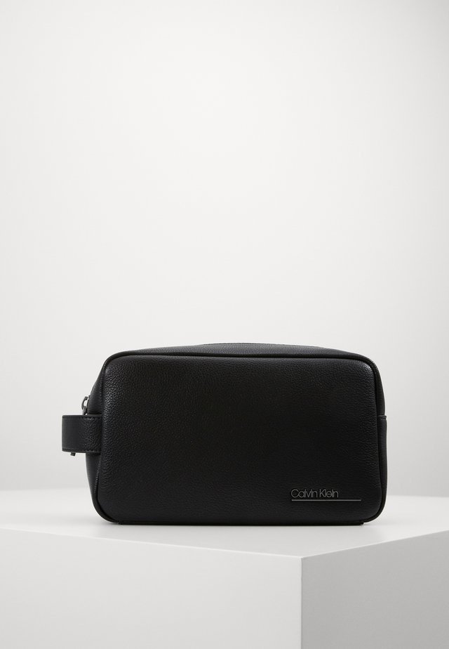 BOMBE WASHBAG - Toilettas - black