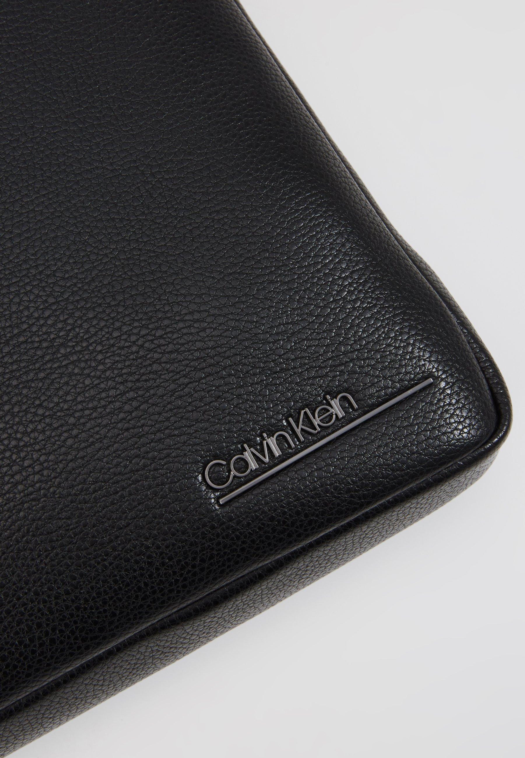 Calvin Klein CK BOMBE' FLAT CROSSOVER - Borsa a tracolla - black