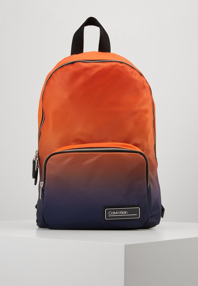 PRIMARY ROUND BACKPACK - Sac à dos - orange