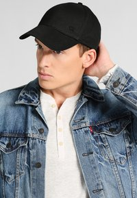 Calvin Klein - BASEBALL UNIS - Cap - black - 1