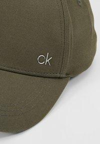 Calvin Klein - METAL - Keps - green - 5