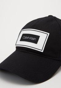 Calvin Klein - PATCH CAP - Cap - black - 2