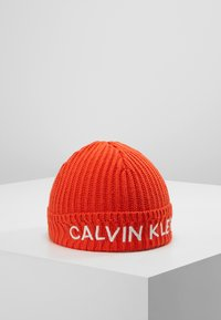 Calvin Klein Jeans - BASIC BEANIE - Čepice - red - 0