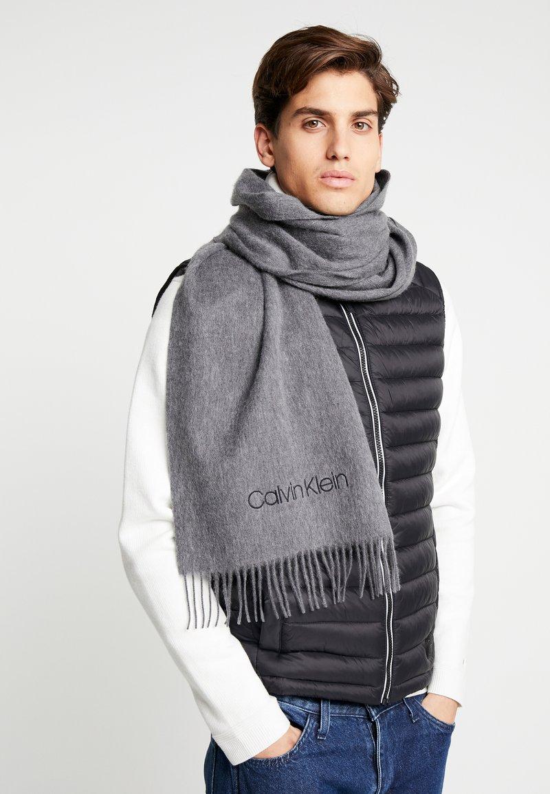 Calvin Klein - CLASSIC SCARF - Schal - grey