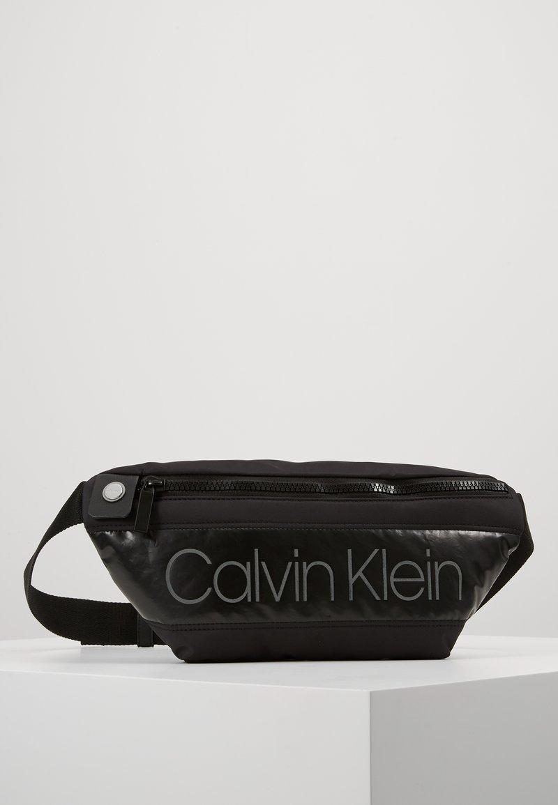 Calvin Klein - PUFFER WAISTBAG - Bältesväska - black