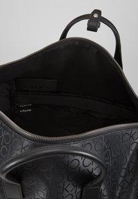 Calvin Klein - INDUSTRIAL MONO WEEKENDER - Bolsa de fin de semana - black - 5