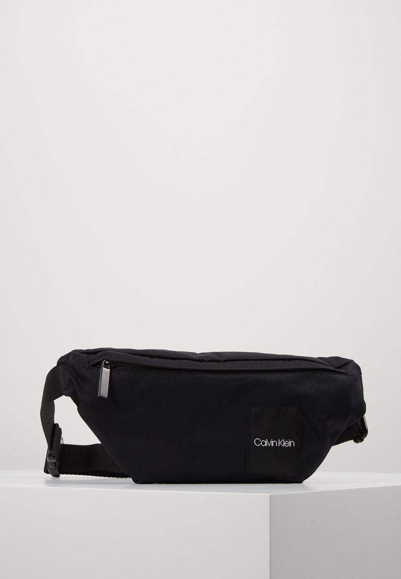 Calvin Klein - ITEM STORY WAISTBAG - Ledvinka - black