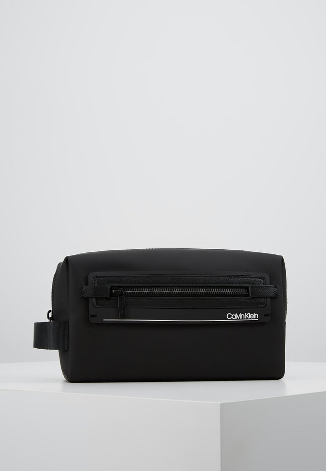MOULDED WASHBAG - Trousse de toilette - black