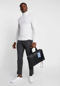Calvin Klein - DRESSED LAPTOP BAG - Taška na laptop - black - 1