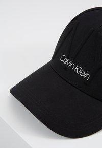 Calvin Klein - NY SHAPED - Cap - black - 6