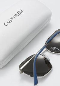 Calvin Klein - Okulary przeciwsłoneczne - silver-coloured - 2