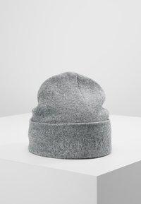Calvin Klein - CASUAL BEANIE - Čepice - grey - 0
