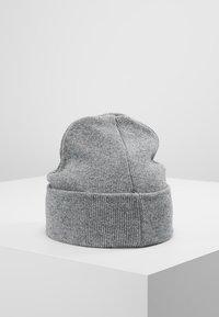 Calvin Klein - CASUAL BEANIE - Čepice - grey - 5