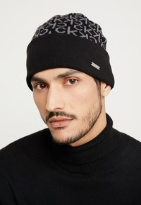 Calvin Klein - INDUSTRIAL MONO BEANIE - Muts - black - 1