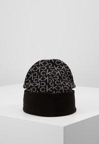 Calvin Klein - INDUSTRIAL MONO BEANIE - Muts - black - 2