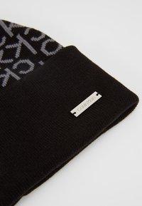 Calvin Klein - INDUSTRIAL MONO BEANIE - Muts - black - 5