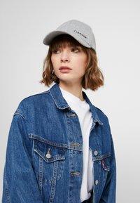 Calvin Klein - SIDE LOGO - Cap - grey - 4