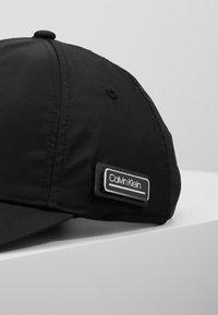 Calvin Klein - PRIMARY - Cap - black - 6