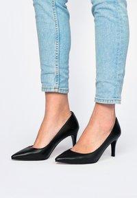 Son Castellanisimos - SALÓN PIEL - Classic heels - black - 0