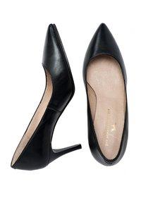 Son Castellanisimos - SALÓN PIEL - Classic heels - black - 2