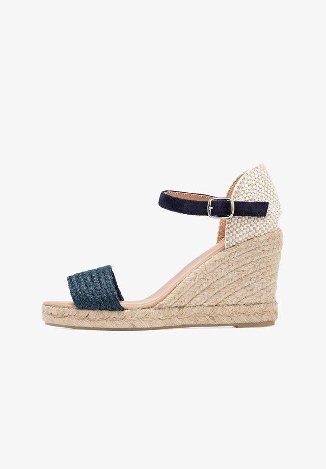 High heeled sandals - blue/beige