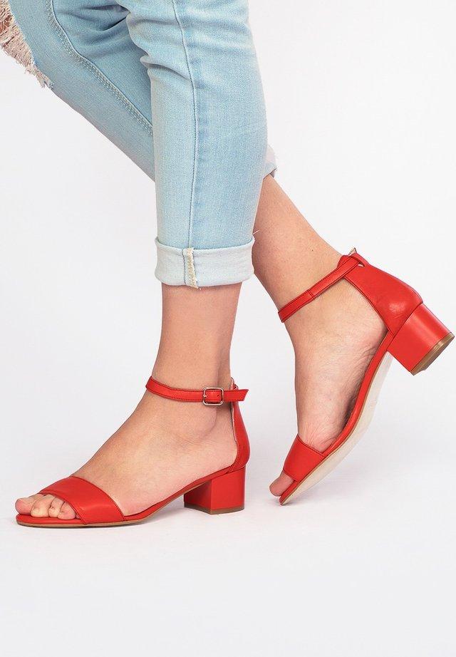 Sandals - rojo